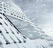 Verschattungssysteme helfen im Winter beim Energiesparen: Rollläden erhöhen die Wärmedämmung um bis zu 18 Prozent.