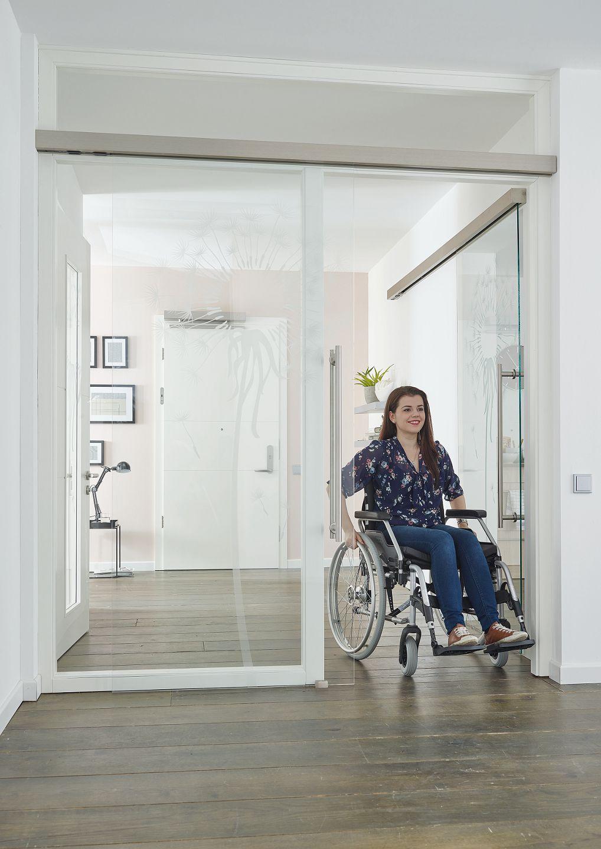 PRÜM bietet attraktive Lösungen für automatisierte Türen, die das Leben um einiges barrierefreier gestalten können.