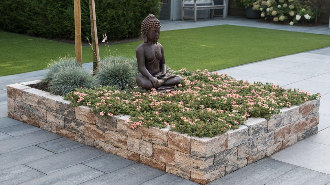 Schaffen Sie sich mit dem Pflastersystem WUNDERWERK est. 1964 AMSTERDAM Ihre eigene Wohlfühloase im Garten.