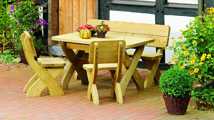 Rustikale Gartenmöbel